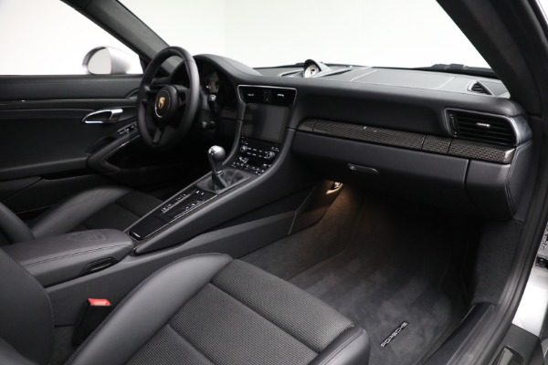Used 2018 Porsche 911 GT3 Touring for sale Sold at Alfa Romeo of Greenwich in Greenwich CT 06830 19