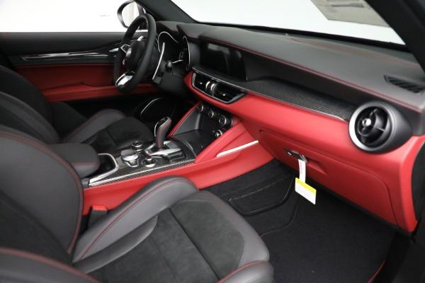 New 2021 Alfa Romeo Stelvio Quadrifoglio for sale $88,550 at Alfa Romeo of Greenwich in Greenwich CT 06830 22