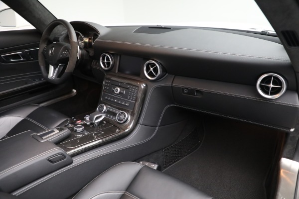 Used 2012 Mercedes-Benz SLS AMG for sale $159,900 at Alfa Romeo of Greenwich in Greenwich CT 06830 18
