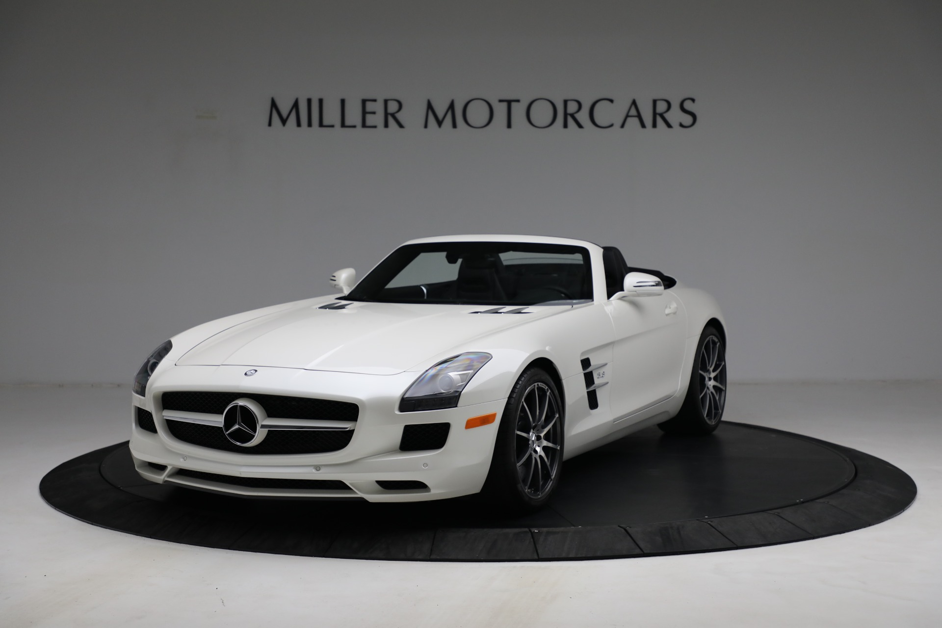 Used 2012 Mercedes-Benz SLS AMG for sale $159,900 at Alfa Romeo of Greenwich in Greenwich CT 06830 1