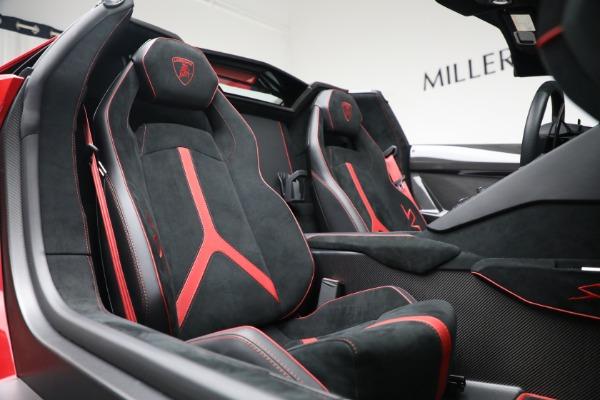 Used 2017 Lamborghini Aventador LP 750-4 SV for sale $599,900 at Alfa Romeo of Greenwich in Greenwich CT 06830 24