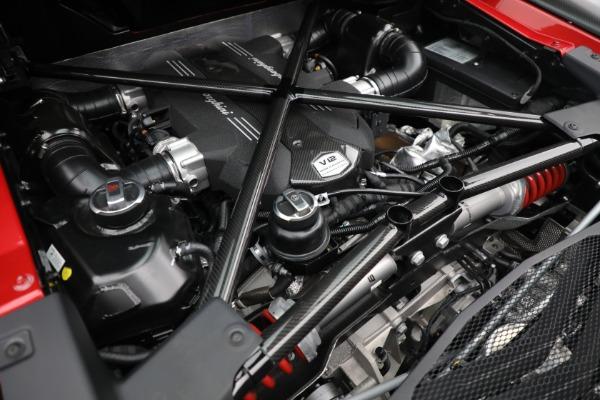 Used 2017 Lamborghini Aventador LP 750-4 SV for sale $599,900 at Alfa Romeo of Greenwich in Greenwich CT 06830 26