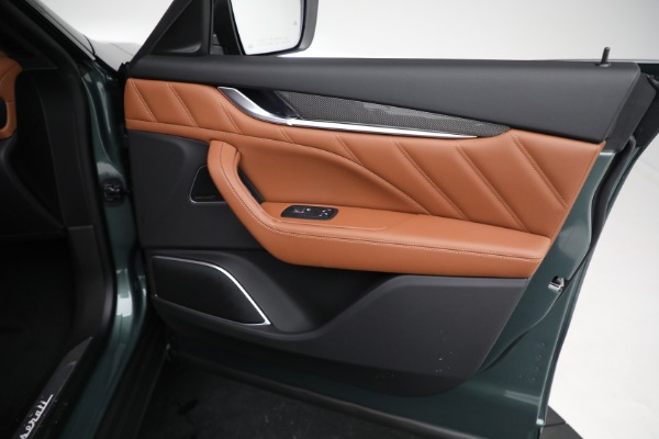 New 2021 Maserati Levante S GranSport for sale $112,899 at Alfa Romeo of Greenwich in Greenwich CT 06830 21