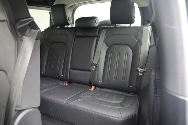 Used 2021 Land Rover Defender 90 First Edition for sale $69,900 at Alfa Romeo of Greenwich in Greenwich CT 06830 19