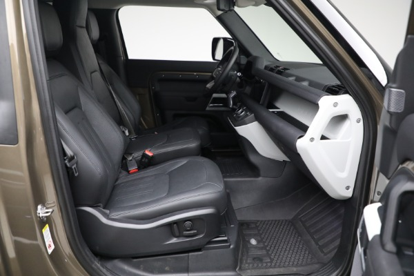 Used 2021 Land Rover Defender 90 First Edition for sale $69,900 at Alfa Romeo of Greenwich in Greenwich CT 06830 22