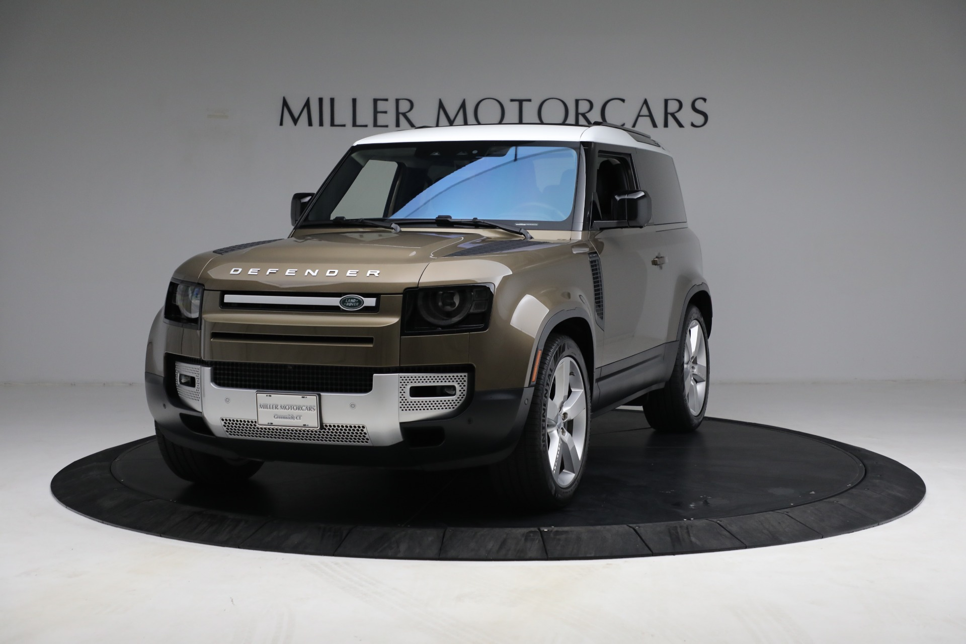 Used 2021 Land Rover Defender 90 First Edition for sale $69,900 at Alfa Romeo of Greenwich in Greenwich CT 06830 1
