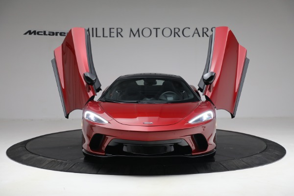 New 2021 McLaren GT for sale $217,275 at Alfa Romeo of Greenwich in Greenwich CT 06830 12