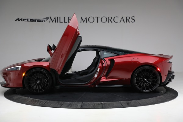 New 2021 McLaren GT Luxe for sale $217,275 at Alfa Romeo of Greenwich in Greenwich CT 06830 14