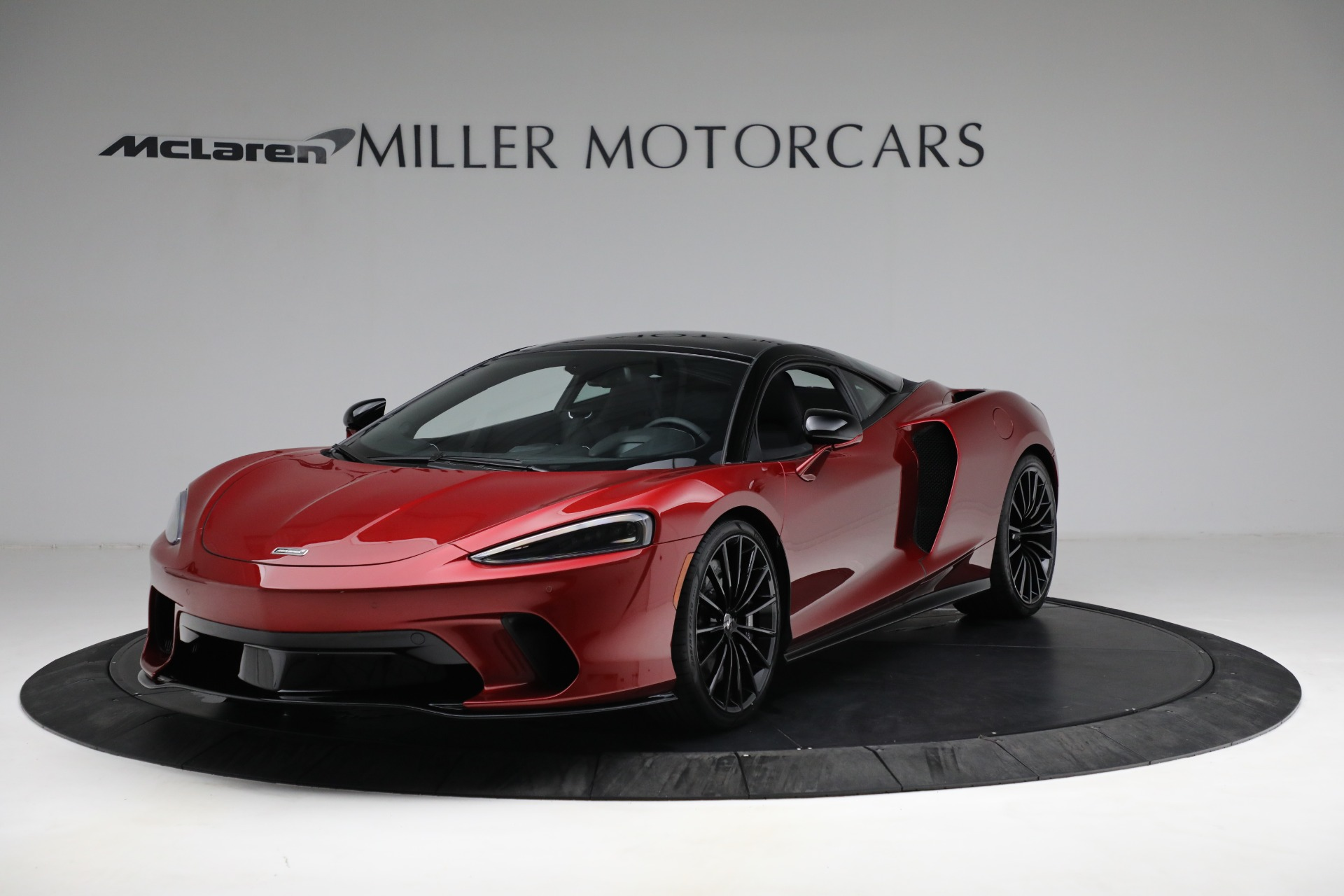 New 2021 McLaren GT for sale $217,275 at Alfa Romeo of Greenwich in Greenwich CT 06830 1