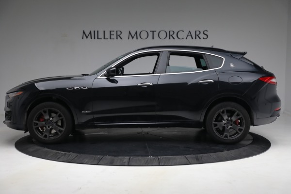 Used 2018 Maserati Levante GranSport for sale $59,900 at Alfa Romeo of Greenwich in Greenwich CT 06830 3