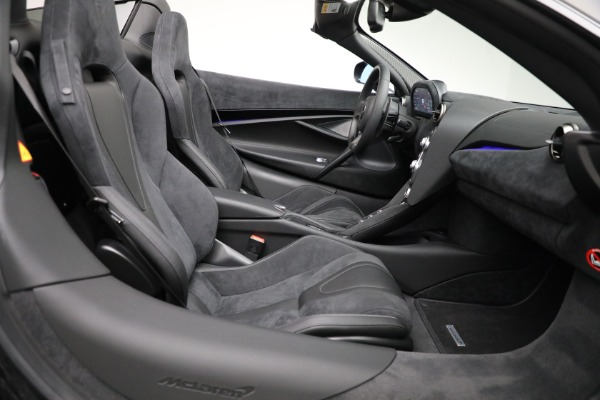 Used 2020 McLaren 720S Spider for sale $334,900 at Alfa Romeo of Greenwich in Greenwich CT 06830 28