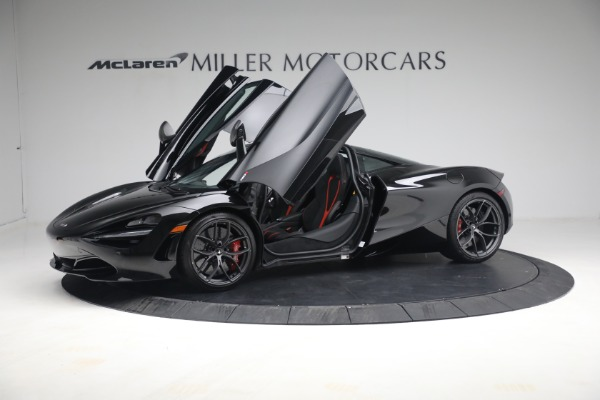 New 2021 McLaren 720S Performance for sale $344,500 at Alfa Romeo of Greenwich in Greenwich CT 06830 17
