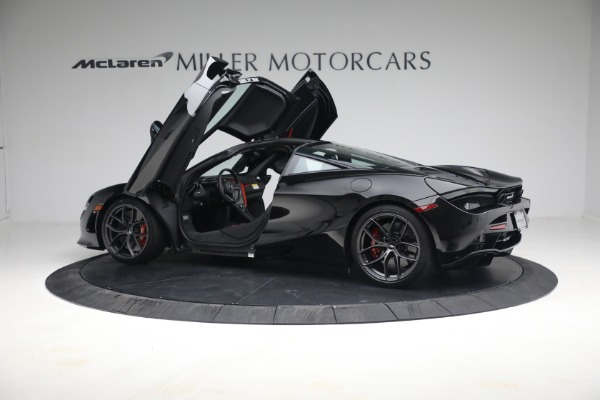 New 2021 McLaren 720S Performance for sale $344,500 at Alfa Romeo of Greenwich in Greenwich CT 06830 19