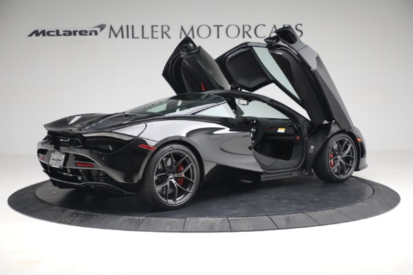 New 2021 McLaren 720S Performance for sale $344,500 at Alfa Romeo of Greenwich in Greenwich CT 06830 23