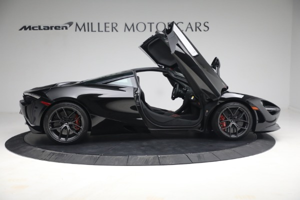 New 2021 McLaren 720S Performance for sale $344,500 at Alfa Romeo of Greenwich in Greenwich CT 06830 24