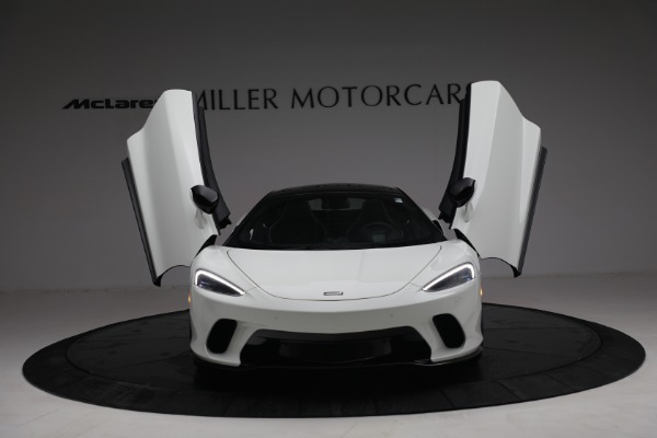 New 2021 McLaren GT Luxe for sale $217,205 at Alfa Romeo of Greenwich in Greenwich CT 06830 13