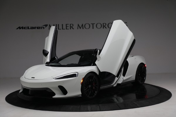 New 2021 McLaren GT Luxe for sale $217,205 at Alfa Romeo of Greenwich in Greenwich CT 06830 14