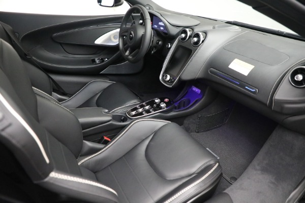 New 2021 McLaren GT Luxe for sale $217,205 at Alfa Romeo of Greenwich in Greenwich CT 06830 21