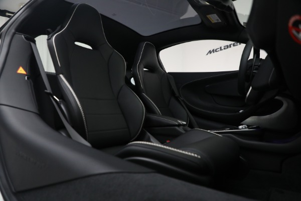 New 2021 McLaren GT Luxe for sale $217,205 at Alfa Romeo of Greenwich in Greenwich CT 06830 23