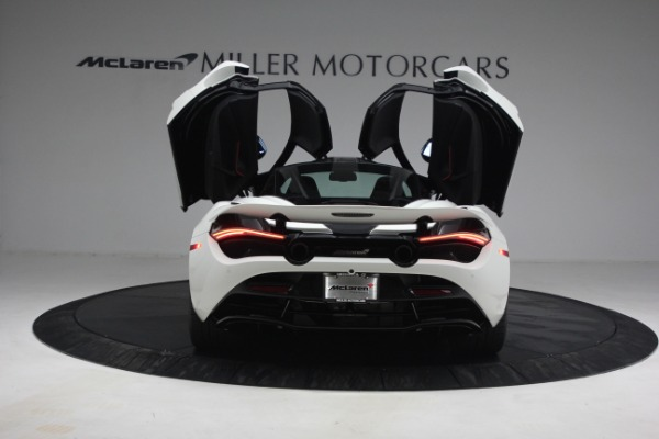 New 2021 McLaren 720S Performance for sale $352,600 at Alfa Romeo of Greenwich in Greenwich CT 06830 15
