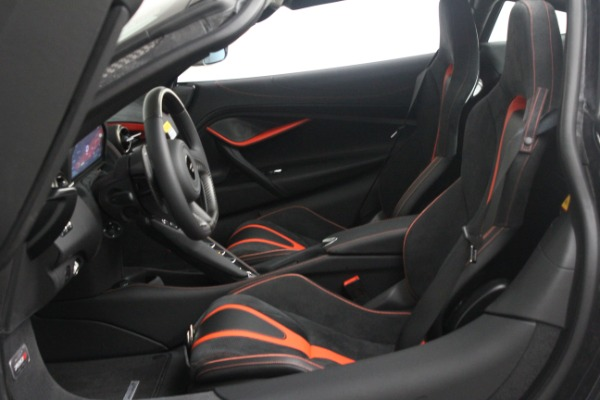 New 2021 McLaren 720S Performance for sale $352,600 at Alfa Romeo of Greenwich in Greenwich CT 06830 17