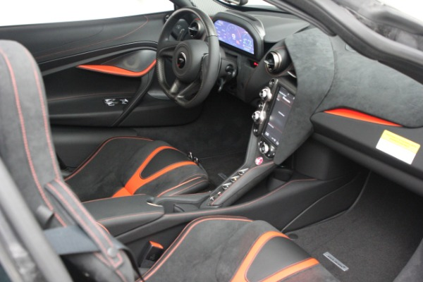 New 2021 McLaren 720S Performance for sale $352,600 at Alfa Romeo of Greenwich in Greenwich CT 06830 20