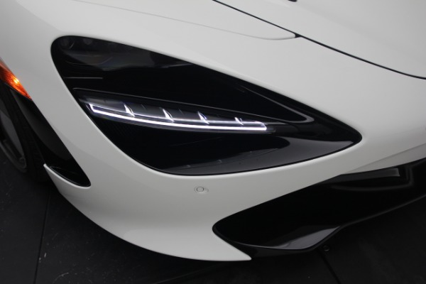 New 2021 McLaren 720S Performance for sale $352,600 at Alfa Romeo of Greenwich in Greenwich CT 06830 24