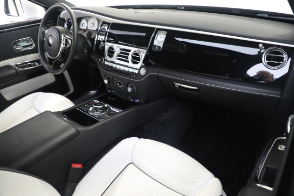 Used 2017 Rolls-Royce Ghost for sale $219,900 at Alfa Romeo of Greenwich in Greenwich CT 06830 12