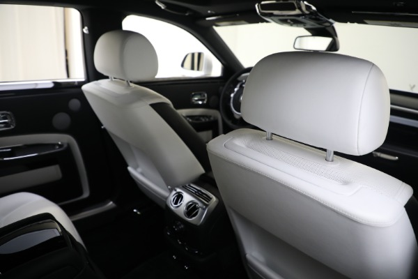 Used 2017 Rolls-Royce Ghost for sale $219,900 at Alfa Romeo of Greenwich in Greenwich CT 06830 18