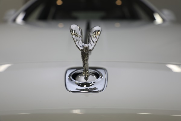 Used 2017 Rolls-Royce Ghost for sale $219,900 at Alfa Romeo of Greenwich in Greenwich CT 06830 22