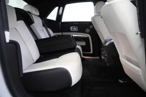 Used 2017 Rolls-Royce Ghost for sale $219,900 at Alfa Romeo of Greenwich in Greenwich CT 06830 24