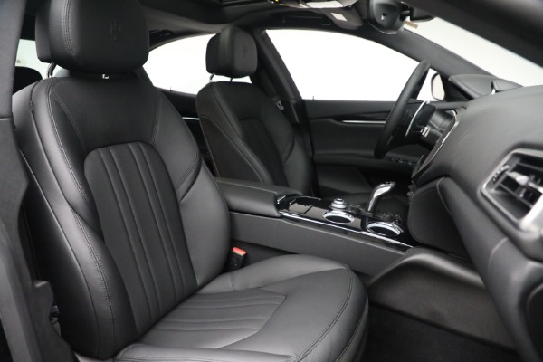 New 2021 Maserati Ghibli SQ4 for sale $92,894 at Alfa Romeo of Greenwich in Greenwich CT 06830 27