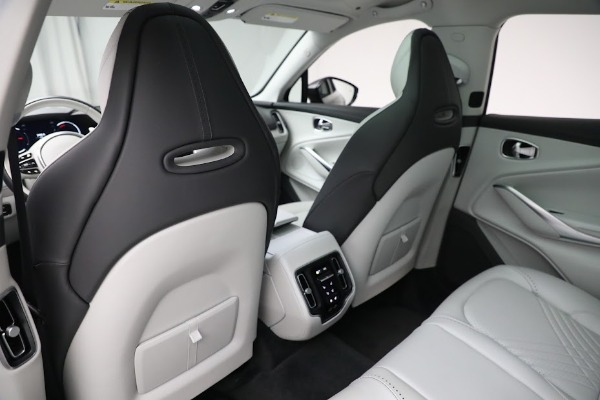 Used 2021 Aston Martin DBX for sale Sold at Alfa Romeo of Greenwich in Greenwich CT 06830 18