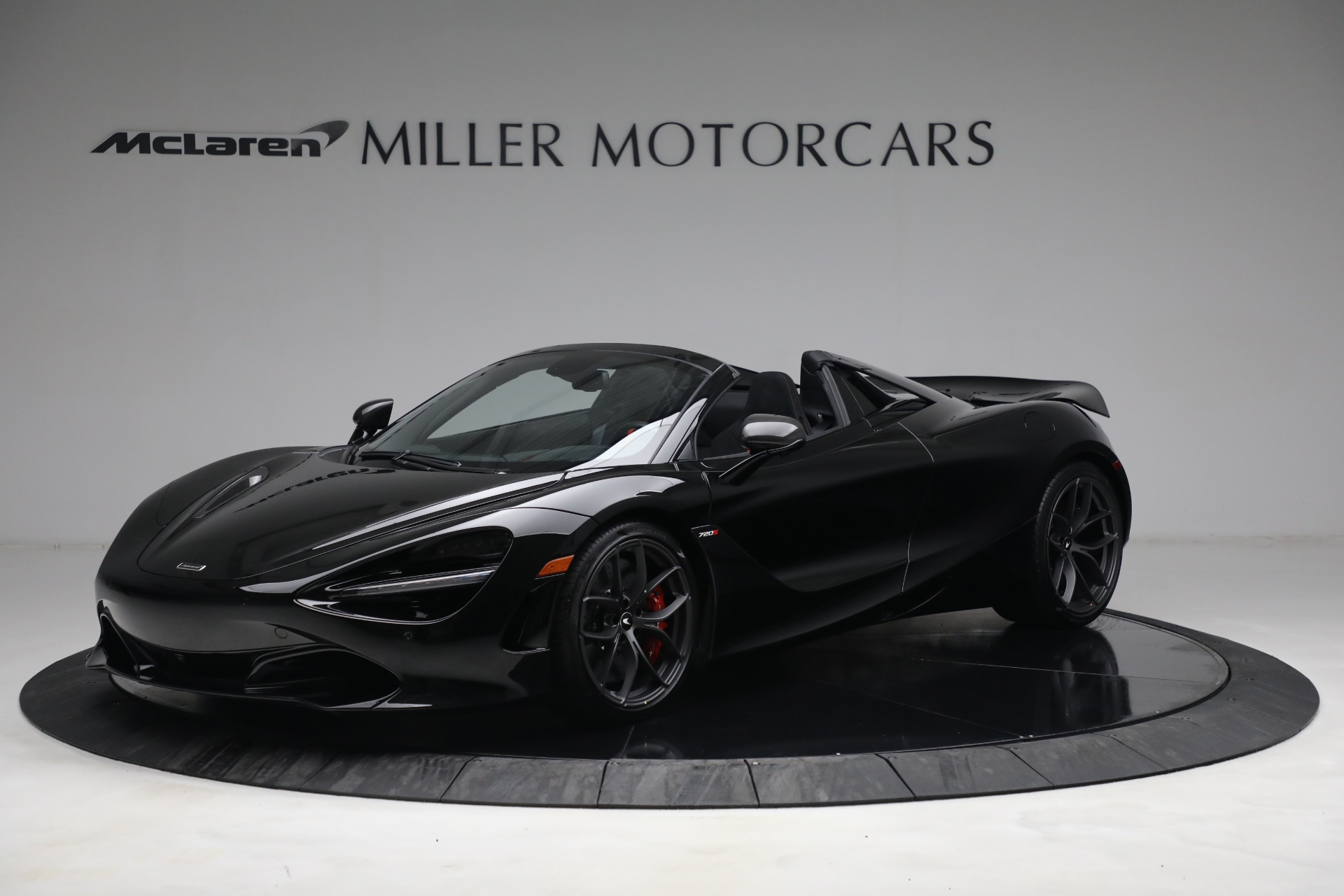 New 2021 McLaren 720S Spider for sale $374,120 at Alfa Romeo of Greenwich in Greenwich CT 06830 1