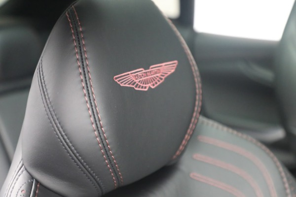 New 2021 Aston Martin DBX for sale $196,386 at Alfa Romeo of Greenwich in Greenwich CT 06830 19