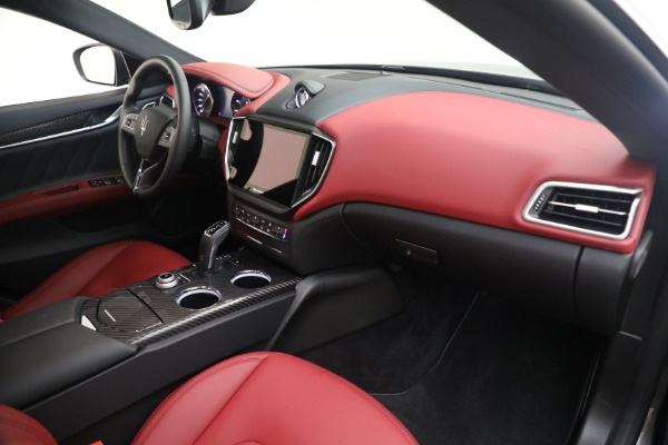 New 2021 Maserati Ghibli SQ4 GranLusso for sale Sold at Alfa Romeo of Greenwich in Greenwich CT 06830 21