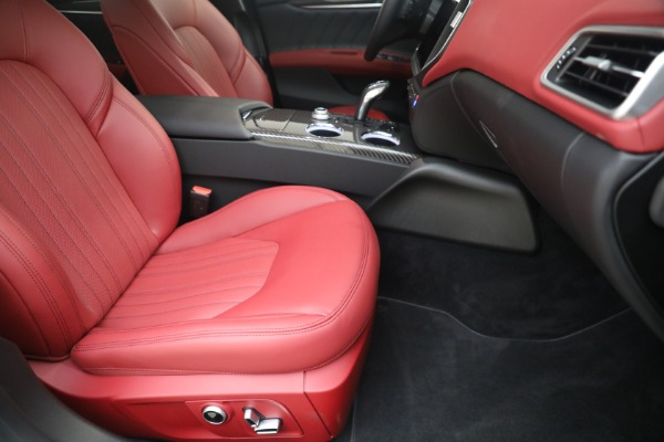 New 2021 Maserati Ghibli SQ4 GranLusso for sale Sold at Alfa Romeo of Greenwich in Greenwich CT 06830 23