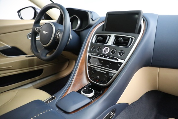 Used 2018 Aston Martin DB11 V12 for sale $164,990 at Alfa Romeo of Greenwich in Greenwich CT 06830 17
