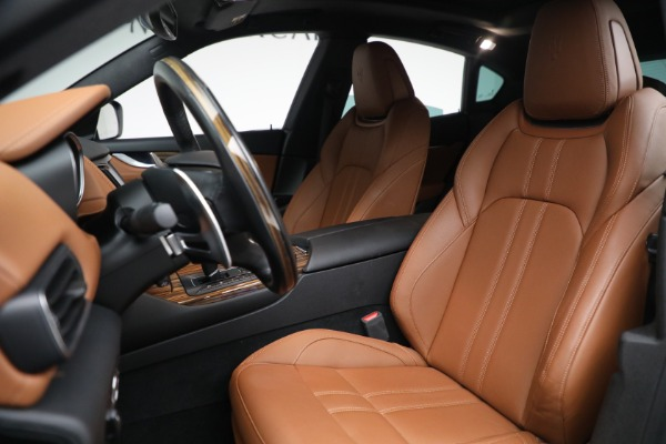 Used 2018 Maserati Levante GranSport for sale Sold at Alfa Romeo of Greenwich in Greenwich CT 06830 15