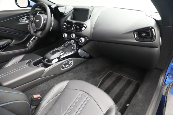 New 2021 Aston Martin Vantage Roadster for sale $186,386 at Alfa Romeo of Greenwich in Greenwich CT 06830 23