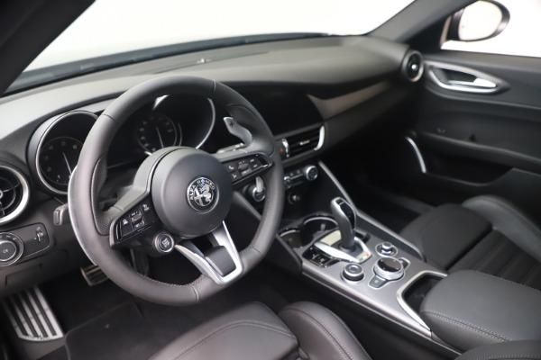 New 2022 Alfa Romeo Giulia Veloce for sale $52,845 at Alfa Romeo of Greenwich in Greenwich CT 06830 13