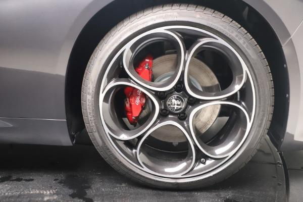 New 2022 Alfa Romeo Giulia Veloce for sale $52,845 at Alfa Romeo of Greenwich in Greenwich CT 06830 23