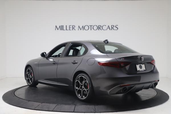 New 2022 Alfa Romeo Giulia Veloce for sale $52,845 at Alfa Romeo of Greenwich in Greenwich CT 06830 5