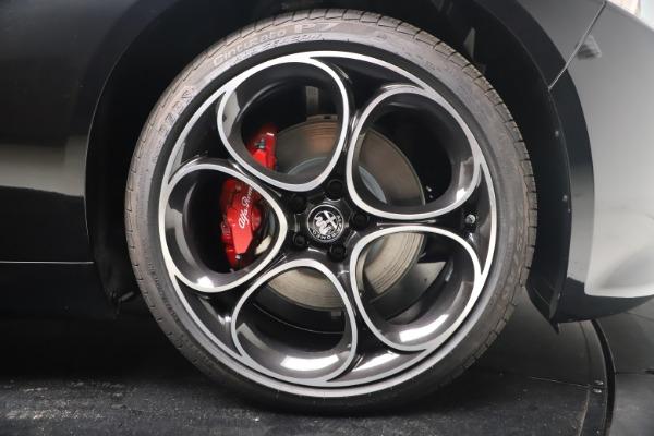New 2022 Alfa Romeo Giulia Veloce for sale $52,045 at Alfa Romeo of Greenwich in Greenwich CT 06830 22