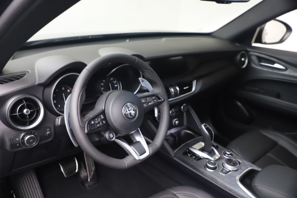 New 2022 Alfa Romeo Stelvio Sprint for sale $52,305 at Alfa Romeo of Greenwich in Greenwich CT 06830 13
