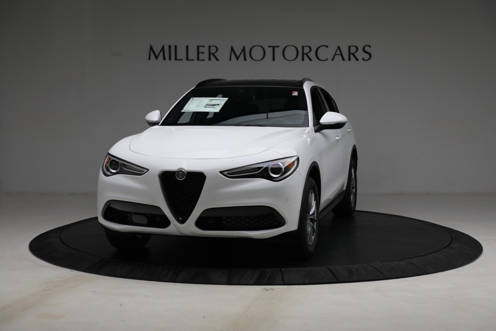 New 2022 Alfa Romeo Stelvio Sprint for sale $50,445 at Alfa Romeo of Greenwich in Greenwich CT 06830 1