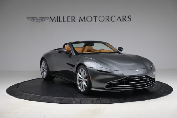 New 2021 Aston Martin Vantage Roadster for sale $174,586 at Alfa Romeo of Greenwich in Greenwich CT 06830 10