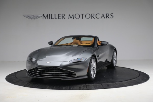 New 2021 Aston Martin Vantage Roadster for sale $174,586 at Alfa Romeo of Greenwich in Greenwich CT 06830 12