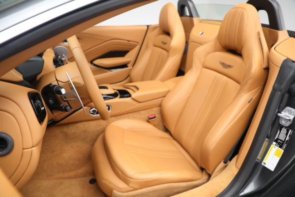 New 2021 Aston Martin Vantage Roadster for sale $174,586 at Alfa Romeo of Greenwich in Greenwich CT 06830 14