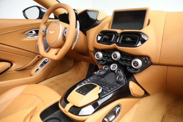 New 2021 Aston Martin Vantage Roadster for sale $174,586 at Alfa Romeo of Greenwich in Greenwich CT 06830 16